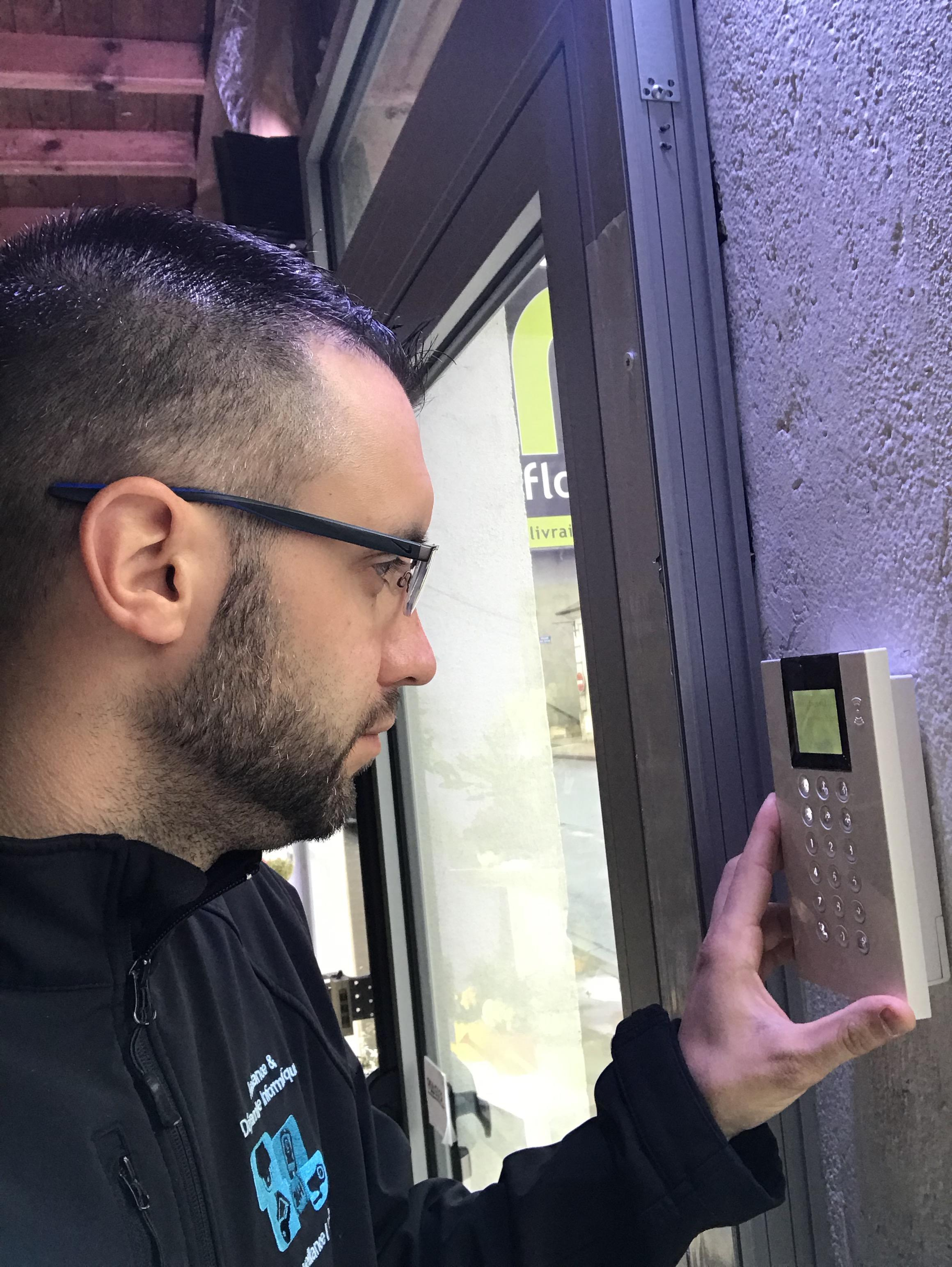 Installation Alarme Particulier ou Professionnel